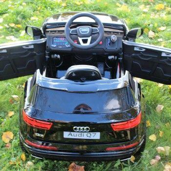 Электромобиль Audi Q7 S-line белый (резиновые колеса, кожа, пульт, музыка, ГЛЯНЦЕВАЯ ПОКРАСКА)